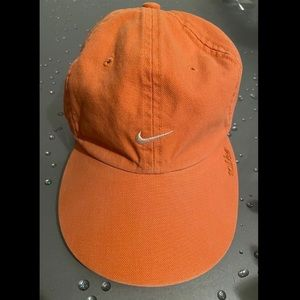 Nike Unisex Cap Embroidered Swish Adjustable